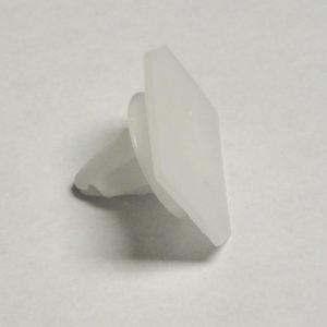 08-09 G8 Door Sill Plate Retainer Clip